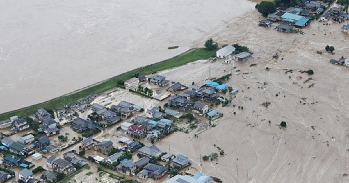 พายุถล่มญี่ปุ่น